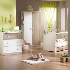 idee deco chambre de bebe confortable chambre de bébé mixte deco chambre bebe garcon avec