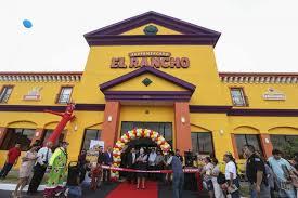 El rancho opens first houston supermarket to big crowds houston