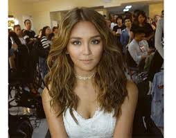 kathryn bernardo hair style in focus curly does it kathryn sarah bela and andi s winning