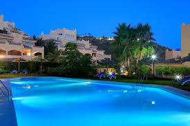 kaufen neue wohnung apartment nahe golf und meer elviria marbella