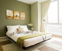 chambre verte et blanche chambre vert olive idées de décoration capreol us