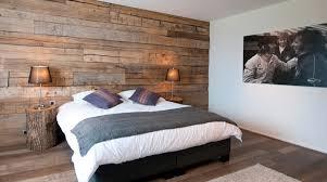 bardage bois chambre 9menu bardage mural chambre madrier deco 1