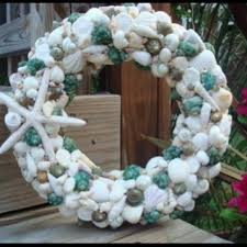 Christmas Wreaths Decorated With Seashells by 143 Best Wreaths Images On Pinterest Driftwood Wreath Beach
