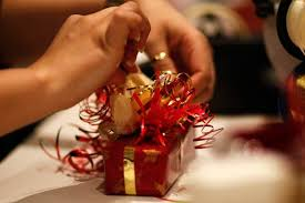 wedding gift online here s how to make online wedding gift market relevant the