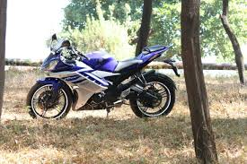 most desent beautifull racer bike yamaha r15 consumer review