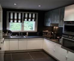 cuisine moderne noir et blanc cuisine en faience free faence mur beige dcor live x cm leroy
