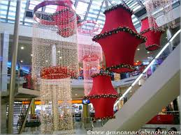 Large Christmas Decorations For Shops las arenas shopping centre