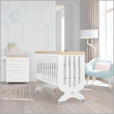 chambre bébé winnie tour de lit ourson image 796804 lit idées