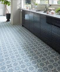 sol vinyl pour cuisine carreaux de ciment cuisine nos idées pour décorer la cuisine