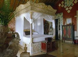 9 reasons why four poster beds aren u0027t just for bed and breakfasts