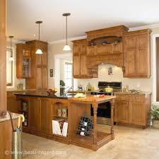 cuisine merisier armoires de cuisine merisier classique latté idée de décoration