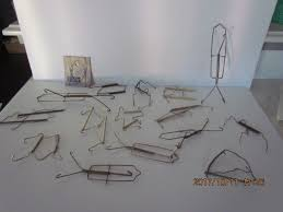 Decorative Picture Hangers Metal Wire Spring Plate Holders Wall Hangers Decorative Display Ebay