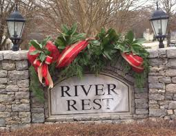 Christmas Decorating Front Entrance by Christmas Decoration Neighborhood Entrance Welcome Folks For The