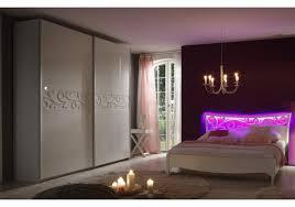Schlafzimmer Mit Polsterbett Schlafzimmer Kleiderschrank Mit Bett 180 X 200 Cm Weiss Hochglanz