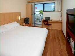 chambre futuroscope hotel in chasseneuil du poitou ibis site du futuroscope