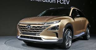 hyundai jeep hyundai reveals hydrogen fuel cell suv with 360 mile range