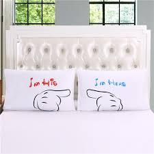 chambre pour nouveau marié nouveau his hers taies d oreiller pour les couples chambre amour