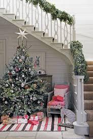 decorating with plants foliage mistletoe