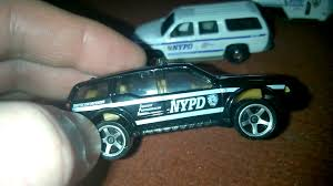 matchbox chevy suburban set 5 masinute matchbox nypd police youtube