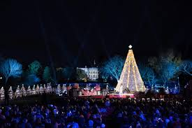 2017 national christmas tree lighting national christmas tree lighting trump vs obama crowd photos heavy com