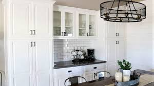 popular colors for kitchens with white cabinets 10 best kitchen paint colors