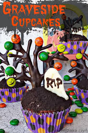 personalized halloween graveyard cupcakes a mom u0027s take