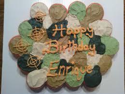 Pull Apart Halloween Cupcake Cakes Camo Cupcake Cake Pull Apart Cake Cakepops Pinterest Pull
