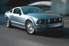 2005 ford mustang reviews and rating motor trend