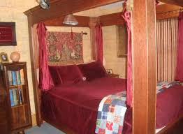 gryffindor bedroom jk rowling room gryffindor bed picture of sylvia beach hotel