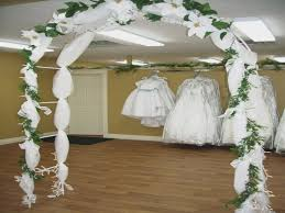 how to decorate a wedding arch five things to avoid in how to decorate a wedding arch with