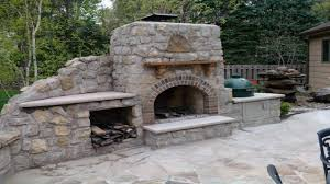 pictures of outdoor kitchens outdoor fireplace with pizza oven