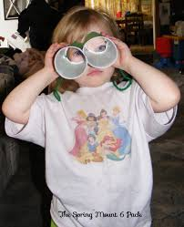 make this binocular craft with the kids
