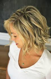 medium hairstyles for thick wavy hair 2017