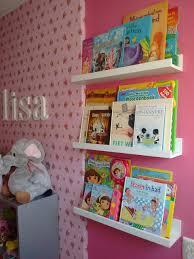 mosslanda ikea boeken hebben een mooi plekje op de mosslanda fotoplanken van ikea