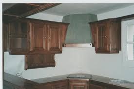 cuisine en noyer cuisine en noyer cette cuisine est faite pour un gite devant