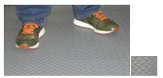 commercial gradediamond plate vinyl matting canal rubber