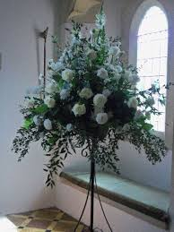 wedding flowers gloucestershire pedestal arrangement flowercraft florist sameday flowers