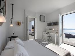 2 floor bed rooms suites at erosantorini design hotels