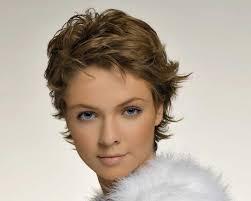 coupes cheveux courts cheveux courts coupe classique beauté plurielles fr