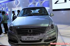 indian car mahindra mahindra showcases rexton with 2 0l diesel engine indian launch