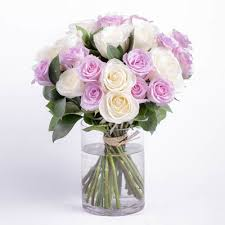 inexpensive flower delivery flower delivery by ode à la favorite florist
