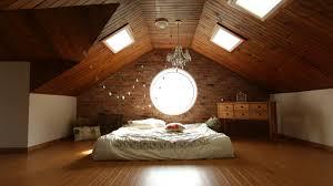chambre sous les combles une pièce en plus grâce à vos combles leroy decoration