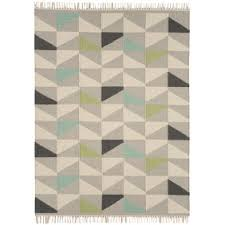 Aztec Design Rugs Aztec Rugs Transform Your Room With An Aztec Rug Kukoon