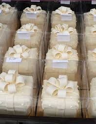 individual wedding cakes individual wedding cake boxes wedding corners
