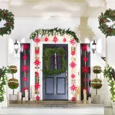 Christmas Outdoor Decoration Ideas by 46 Beautiful Christmas Porch Decorating Ideas U2014 Style Estate