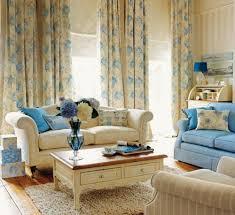 wohnzimmer blau beige 22 wunderschöne ideen für dekorative vorhänge zu hause