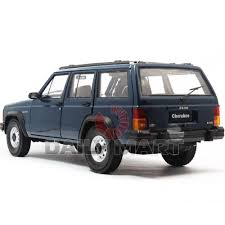 jeep cherokee toy jeep cherokee toy model kit maisto jeep grand cherokee laredo