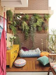 mini garden for balcony decoration using miimalist small garden