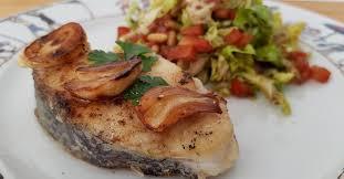 cuisiner du merlu merlu à l ail à la plancha ma p tite cuisine
