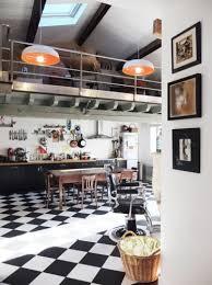 carrelage cuisine damier noir et blanc lino noir et blanc damier top de deux maisons jumelles porte